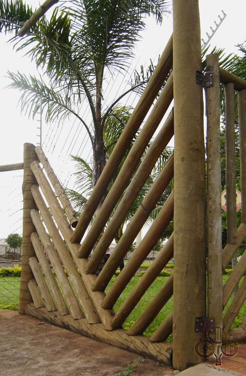 cerca para jardim de eucaliptoMadeira tratada, eucalipto e pinus